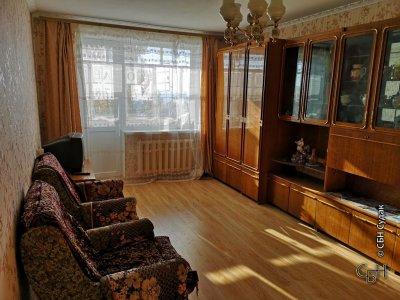 Продается 3-комнатная квартира пер. Серный