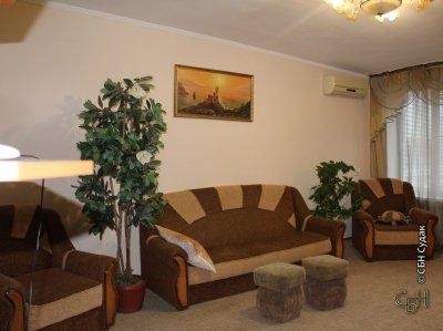 Продаётся 2-комнатная квартира в центре города